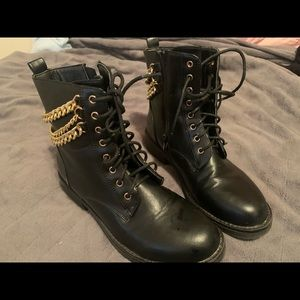 Liliana gold chain combat boots